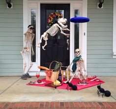 Skeleton scenes change multiple times before Halloween! #Baxter #FortMill via Home Stories A to Z