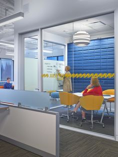 LinkedIn Sunnyvale Office - Accent wall with acoustic panel treatment