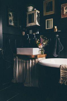 Our Dark and Moody Bathroom Makeover. Our Dark and Moody Bat Gothic Bathroom Decor, Goth Home Decor, Victorian Bathroom, Boho Bathroom, Rustic Bathrooms, Bathroom Colors, Bathroom Interior, Downstairs Bathroom, Office Bathroom