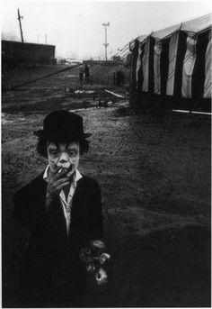 Vintage Bizarre, Creepy Vintage, Cirque Vintage, Vintage Circus, Diane Arbus, Creepy Old Pictures, Creepy Images, Pictures Images, Bing Images