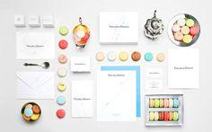 mesa dulce profesional llena de color