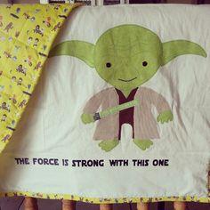 Star Wars: Yoda baby quilt (via makahilogir)
