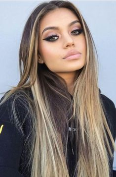 Hair is an important material primarily composed of protein, notably keratin. Hair care is your hair type. Your hair goals. Your favorite hair color Here you find all the possible methods to have perfect hair. Ombre Hair, Balayage Hair, Ombre Wigs, Hair Inspo, Hair Inspiration, Brown Blonde Hair, Gorgeous Hair, Pretty Hairstyles, Amazing Hairstyles