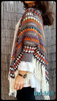 bo-m crochet kimonos Crochet Coat, Crochet Jacket, Knitted Poncho, Crochet Cardigan, Crochet Clothes, Boho Womens Clothing, Crochet Shawls And Wraps, Handmade Clothes, Pull