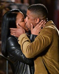 "Just Jared posted on Instagram: ""@michaelbjordan & co-star Chante Adams (@chantee__) share a steamy kiss while filming their new…"" • See all of @justjared's photos and videos on their profile. Michael Bakari Jordan, Just Jared, American Actors, Photo And Video, Stars, Couple Photos, Kissing, Film, Profile"
