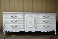 antique white dresser bedroom furniture - cool apartment furniture Check more at http://www.modelflixx.com/antique-white-dresser-bedroom-furniture-cool-apartment-furniture/