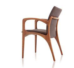 Cadeira Dinna / Dinna Chair. Design by Jader Almeida.