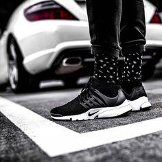 U L T R A F L Y K N I T  Get your pair now @streetfiles  #streetfiles #allupinitt #ultraflyknit #sadp #sneakersaddict #hypebeast #hypefeet #hbouthere #basementapproved #presto #nikepresto #kicksonfire #nicekicks #nikesportswear #prestology #klekttakeover #hsdailyfeature #hypefeet #snobshots by needlehorse