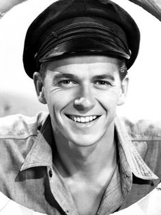 a young and handsome actor - Ronald Reagan - MM sez: looking at this pic who would ever have imagined him becoming a President of the US. - I think history will show that despite his failings he was a better president than given credit for. Hooray For Hollywood, Golden Age Of Hollywood, Vintage Hollywood, Hollywood Stars, Classic Hollywood, Hollywood Actor, Greatest Presidents, American Presidents, American Actors