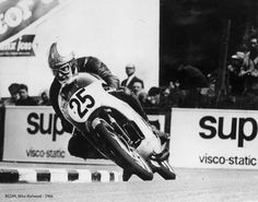 This is the 125cc twin on which multiple World Champion Hailwood won his first Isle of Man TT in June 1961.