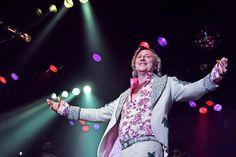 2500 Zuschauer feiern bei Dieter Thomas Kuhns Schlagershow im Ringlokschuppen +++  Generation Hitparade