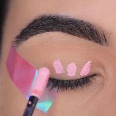 We love pink and therefore we love this eye makeup tutorial😍 You are in the right place about Make-up rosa … Makeup 101, Makeup Goals, Eyebrow Makeup, Skin Makeup, Makeup Inspo, Eyeshadow Makeup, Beauty Makeup, Pink Eye Makeup, Makeup Shop
