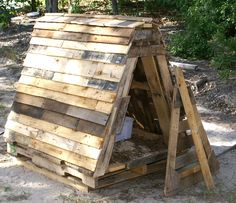 Pallet shed built for pygmy goats... I think it would be a great fort for a little boy!