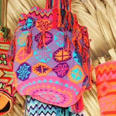 """MEMORIAL DAY WEEKEND SALE!! The Wayuu live in small settlements """"rancherias"""", organized in matrilineal clans, the Wayuu children carry their mother's last name, making the Wayuu women not only the centre of the family but cultural leaders as well. Wholesale 1.201.350.7702 info@susustyle.com www.susustyle.com @wayuuprincess @wayuutaya @wayuutayabags @susubags @limaestevez @makudesign #memorialdaysale #susubags #fashion #mochilas"""