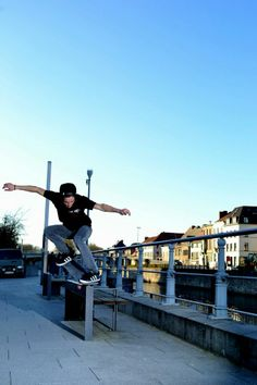 Fred, bs nosegrind