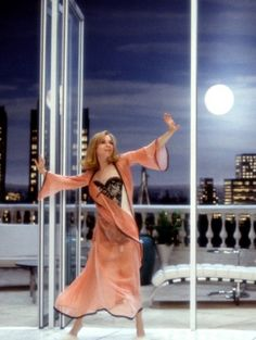 Renee Zellweger in Down with Love 2003. So retro 1950's. Love it ♥