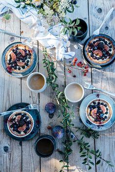 Delta Breezes... — Mini Tarts w/Vanilla Pudding, Blueberries & Figs...