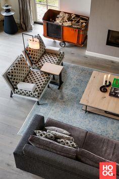 Luxe zithoek met design stoelen en luxe zitbank | woonkamer ideeën | living room decor ideas | luxury living room | Hoog.design
