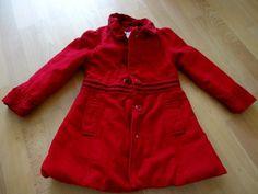 Červený zimní kabát