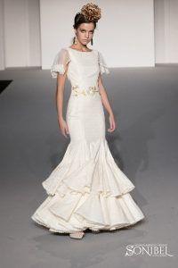 9 mejores imágenes de Trajes de novias de flamenca - Sonibel ... 12868fceac6