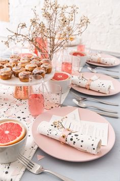 Breakfast Table Setting Brunch Party 40 Ideas For 2019 Breakfast Table Setting, Breakfast And Brunch, Brunch Party Decorations, Brunch Decor, Birthday Table Decorations, Brunch Buffet, Birthday Brunch, Easter Brunch, Birthday Breakfast