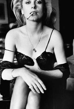 Una docena de actrices maduras fotografiadas por Helmut Newton