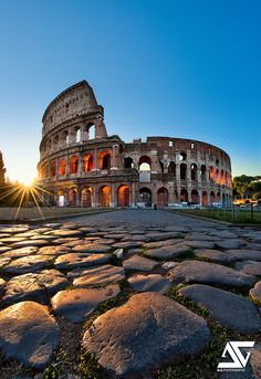 15 Most Beautiful photos of Italy : Cities and Places to Visit in Italy - The Coloseum, Rome, Italy #aromabotanical