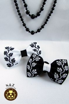 N&Z сувенір (N&Z Szuvenir Kft) Bow Hair Clips, Hair Ties, Cross Stitch Finishing, Diy Embroidery, Headband Hairstyles, Blackwork, Headbands, Diy And Crafts, Hair Accessories