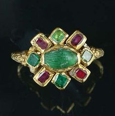 "A 17th century gold and gem-set ""fede"" ring, circa 1610"