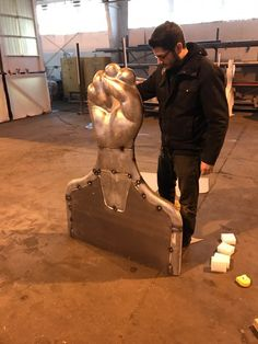 CASTING ALUMINUM AT RHODE ISLAND SCHOOL OF DESIGN – Welcome to Amaral – https://www.youtube.com/watch?v=vXaHplo2XwU&feature=youtu.be