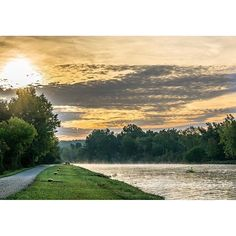 Good Morning #ROC. Sunrise on the #ErieCanal shared by Melike E. #ThisIsROC