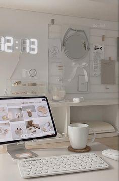 Room Design Bedroom, Room Ideas Bedroom, Bedroom Decor, Cute Room Ideas, Cute Room Decor, Study Room Decor, Room Setup, Desk Inspiration, Desk Inspo