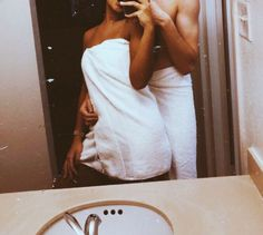 15 photos for those who already live with her boyfriend – Typical Miracle Cute Couples Photos, Cute Couple Pictures, Black Couples, Cute Couples Goals, Couple Photos, Cute Couple Selfies, Teen Couples, Romantic Couples, Couple Goals Relationships