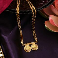 Our rebeled blonde jewelry preoccupation is never-ending, and such blush-toned revise is perfect for giving personal clothes that in fact pretty bright purple trace. Diamond Mangalsutra, Gold Mangalsutra Designs, Gold Jewellery Design, Handmade Jewellery, Mangalsutra Bracelet, Long Pearl Necklaces, Gold Necklace, Beaded Necklace, Gold Jewelry Simple