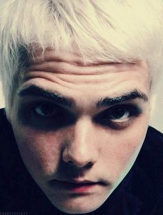 No. Xxxxxxxxxxx << you'd think it'd be too close but never with Gerard. Never too close <3