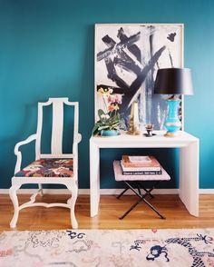 Turquoise wall / aqua blue room