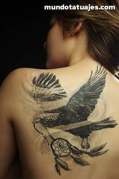 38 magníficos y oscuros tatuajes de cuervos