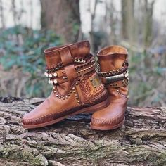 Stylische Stiefeletten mit Niete – Cindyrosy Boots Boho, Boho Shoes, Casual Boots, Shoes Style, Flat Heel Ankle Boots, Leather Ankle Boots, Shoe Boots, Calf Boots, Hippie Mode