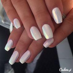 Perłowe paznokcie