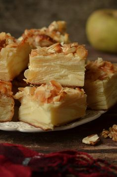 neiwidzialne ciasto z jabłkami Polish Desserts, Polish Recipes, Apple Pie Pastry, Baking Recipes, Dessert Recipes, Sweet Recipes, Healthy Recipes, Going Vegan, Sweet Tooth