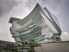 The Star Performing Arts Centre, Singapore, consists of a 5,000 seat theatre, a multi-purpose hall, an outdoor amphitheatre, rooftop reception area, function rooms and supporting spaces of various sizes. This unique venue complete with stunning architecture and design provides a suite of performance spaces for a wide range of events from pop concerts to intimate community events.