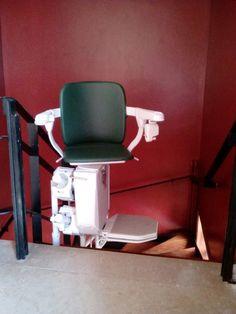 ΕΓΚΑΤΑΣΤΑΣΗ ΣΕ 1 ΗΜΕΡΑ ! Το εξειδικευμένο προσωπικό της DRACULIS, ανέλαβε την εγκατάσταση του συγκεκριμένου μοντέλου Siena (κατάλληλο για περιστροφικές σκάλες) σε κατοικία στo ΧΑΛΑΝΔΡΙ, σε λιγότερο από 1 ημέρα! Barber Chair, Furniture, Home Decor, Decoration Home, Room Decor, Home Furnishings, Home Interior Design, Home Decoration, Interior Design