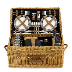 No need to leave the beach when you pack the perfect picnic basket that has everything you need!
