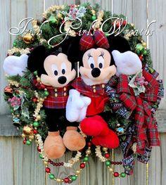 mickey and minnie mouse traditional tartan plaid christmas wreath disney christmas Disney Merry Christmas, Minnie Mouse Christmas, Merry Christmas Sign, Plaid Christmas, Christmas Ideas, Christmas Wreath Image, Christmas Door Wreaths, Winter Wreaths, Mickey Mouse Wreath