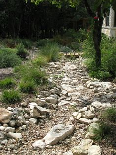 110 Awesome Dry River Bed Landscaping Design Ideas You Have Owned On Your Garden 24087 Landscaping With Rocks, Front Yard Landscaping, Landscaping Ideas, Mulch Landscaping, Backyard Ideas, Landscape Design, Garden Design, Stream Bed, Dry Creek Bed