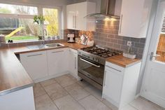 3 bedroom semi-detached house for sale in Cleeve Close, Stourport-On-Severn - Rightmove. Small Kitchen Diner, Kitchen Family Rooms, Open Plan Kitchen, New Kitchen, Kitchen Dining, Kitchen Decor, Beach Cottage Kitchens, Home Kitchens, Contemporary Kitchen Interior
