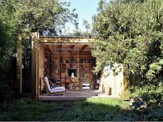 Gorgeous Garden Office by Office Sian Uses Structure as Shelving