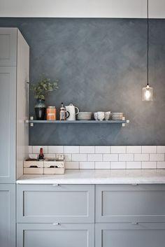 5 Outstanding ideas: Cozy Minimalist Home Loft minimalist interior simple spaces.Minimalist Kitchen Design Farmhouse Sinks rustic minimalist home storage.Rustic Minimalist Home Decor. Kitchen Paint, New Kitchen, Kitchen Interior, Kitchen Decor, Kitchen Grey, Minimal Kitchen, Kitchen Tiles, Minimalist Kitchen Backsplash, Kitchen Shades