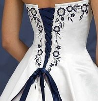 Brides think of having the most appropriate wedding ceremony, however for this they require the ideal wedding dress, with the bridesmaid's dresses complimenting the wedding brides dress. Here are a few tips on wedding dresses. Blue Wedding Dresses, Bridal Dresses, Blue Dresses, Wedding Gowns, Bridesmaid Dresses, Prom Dresses, Ribbon Wedding, Wedding Dress With Red, Wedding Dress Corset