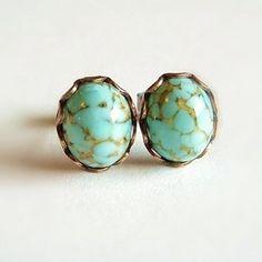 Turquoise verre Vintage fausse pierre précieuse par skeptis sur Etsy, $12.00